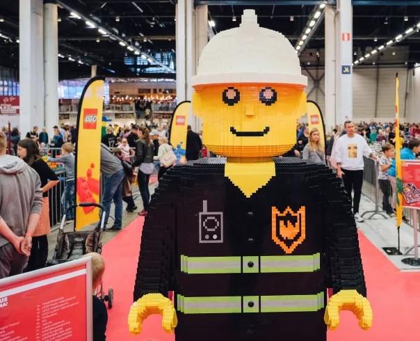 """Morreu o criador do boneco da Lego, um homem com uma """"imaginação fantástica"""""""