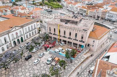 Porque hoje é … Domingo | Edifício Fernando Távora