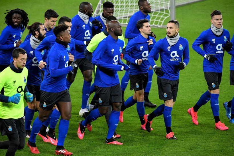 """Ofensa corporal a agente desportivo"""" vale jogo à porta fechada ao FC Porto"""