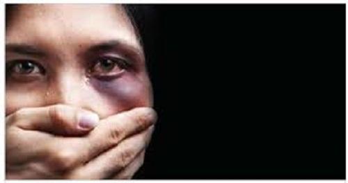 Dois homens detidos por violência doméstica no Dia dos Namorados