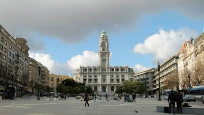 Porto: Deputado do BE expulso da Assembleia Municipal por recusar parar de filmar uma intervenção do partido