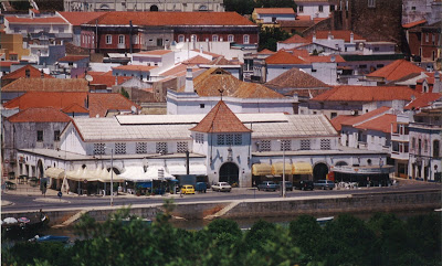 Silves | MONTAGEM DE PLATAFORMA ELEVATÓRIA OBRIGA A CORTE DE TRÂNSITO NA RUA DR. FRANCISCO NETO CABRITA, A 17 DE MARÇO