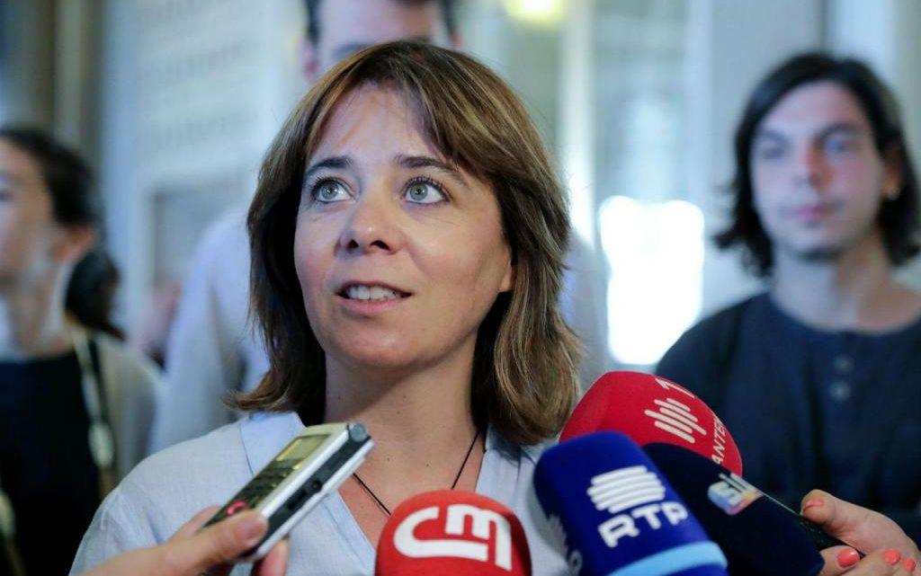 Catarina Martins apela aos portugueses para ficarem em casa na Páscoa