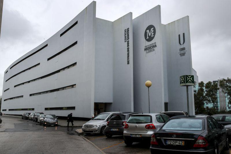Covid-19. Faculdade de Medicina de Lisboa suspende aulas com doentes