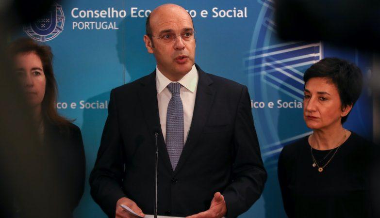 Conselho de Ministros anuncia novas medidas de apoio, incluindo moratória de seis meses nos créditos