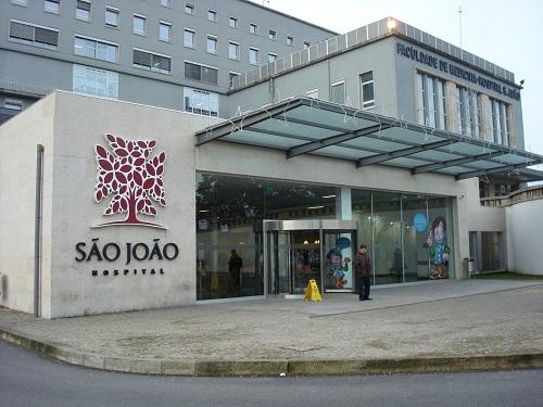 Covid-19: Nasceu o primeiro bebé de mãe infetada no Hospital de São João. Teste inicial à criança deu negativo