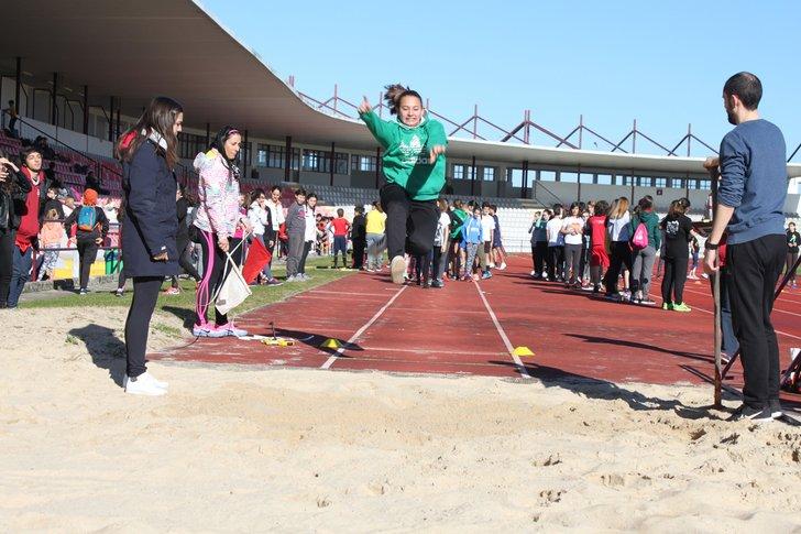 Megas regionais de atletismo no Estádio da Marinha Grande