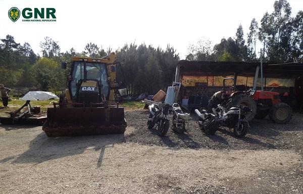 Núcleo de Investigação de Anadia ajudou a recuperar trator furtado e motos desmanteladas