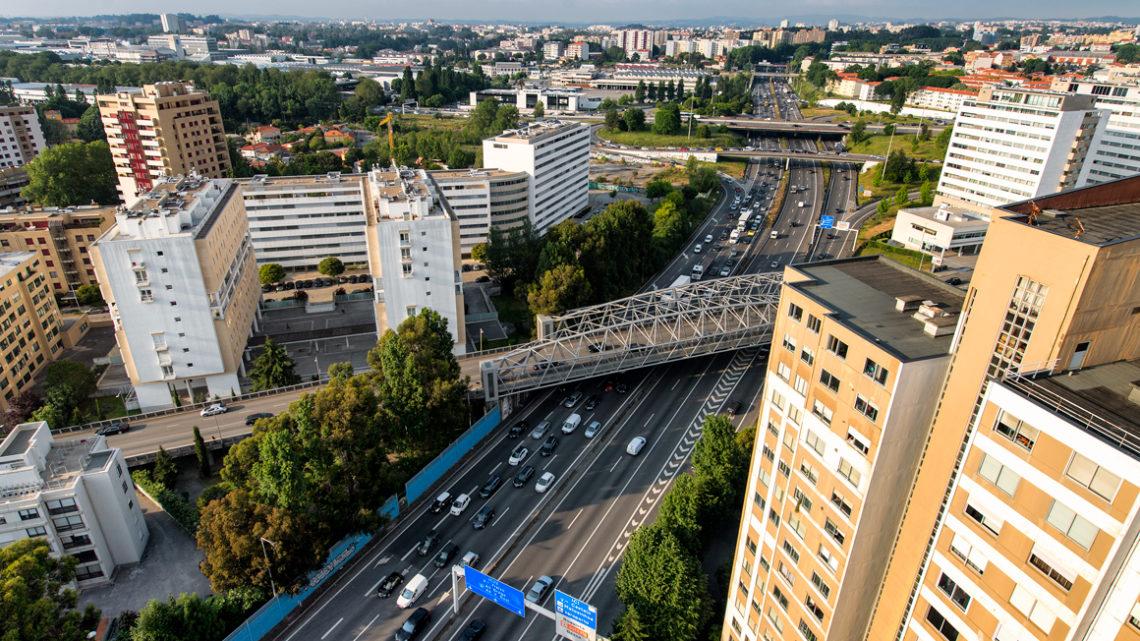 Covid-19: Área Metropolitana do Porto quer que tutela clarifique se desviou ventiladores oferecidos pela Galp