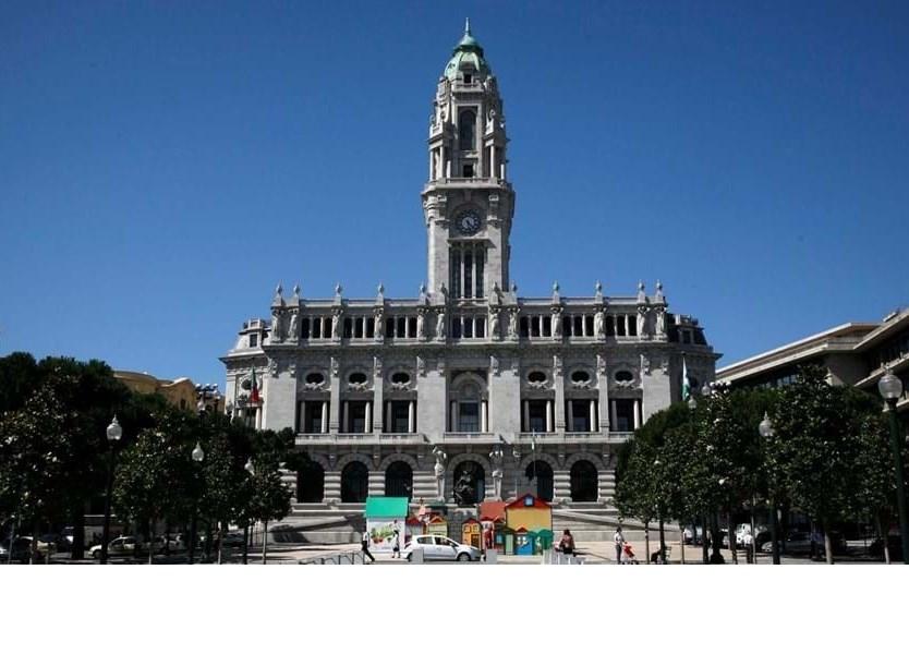 Câmara do Porto não reconhece autoridade à DGS e rejeita cerco sanitário