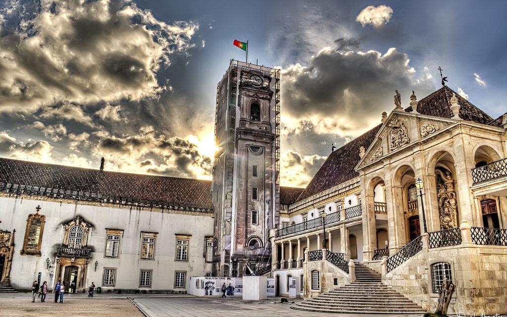Universidade de Coimbra | Lançada linha de apoio emocional para a comunidade universitária no âmbito do plano de contingência da Covid-19