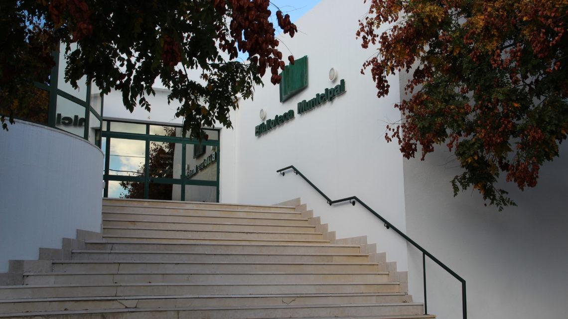 Proença-a-Nova | Biblioteca Municipal faz entrega de livros ao domicílio em todo o concelho