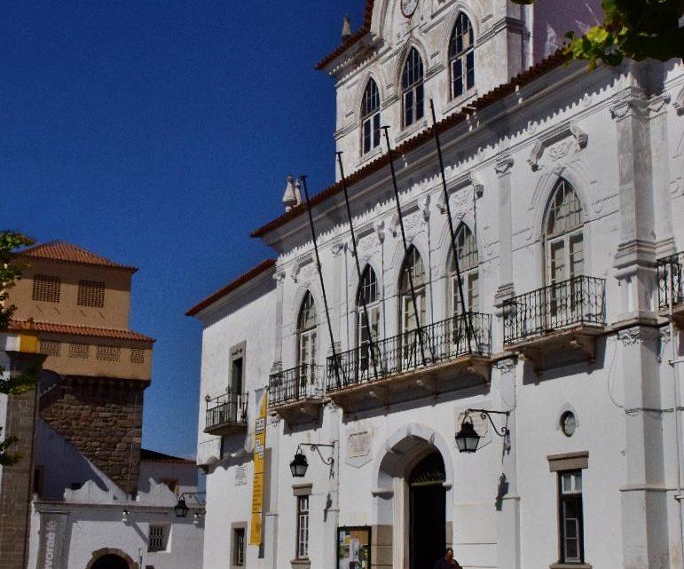 Em reunião de 8 de Abril de 2020 Câmara de Évora criou Fundo de Emergência Municipal Covid-19 e cancela Feira de S. João em junho