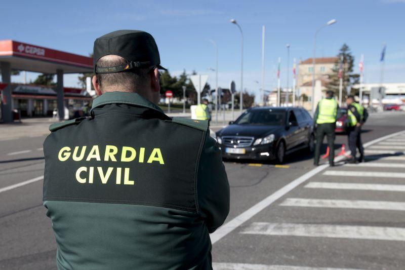 Polícia espanhola obriga autocarro a regressar a Portugal por excesso de passageiros