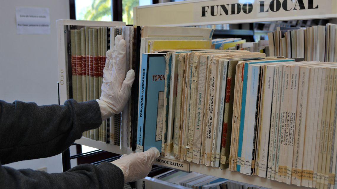 """Em tempos de crise pandémica, Projeto """"Levamos a Biblioteca até si"""" leva cultura ao domicilio dos cantanhedenses"""