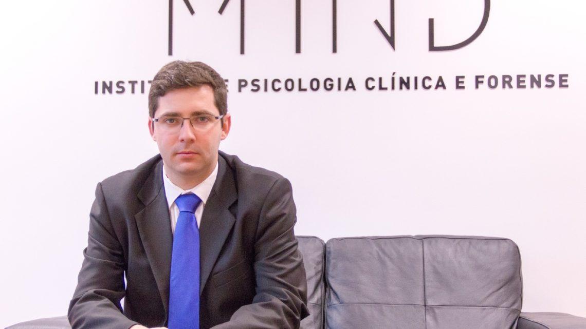 "Metade dos portugueses sente impacto psicológico ""moderado a severo"""