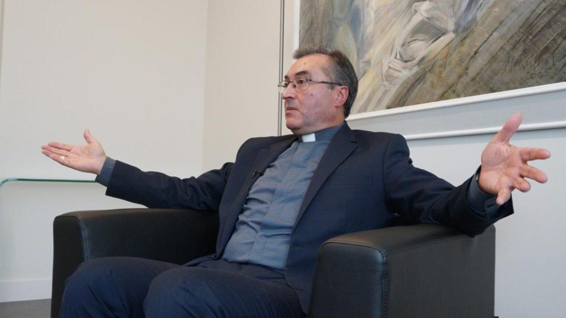 Covid-19: Bispo do Porto autorizado a entrar em Ovar para abençoar hospital de campanha