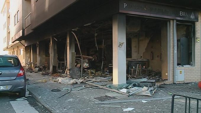 Homem acusado de causar incêndio em pastelaria em Aveiro para receber seguro
