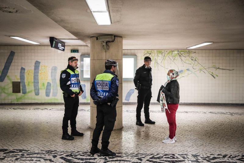 Governo prefere pedagogia à repressão no estado de emergência