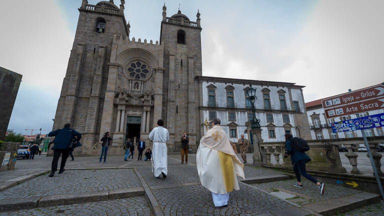 "Diocese do Porto recorre ao ""lay-off"" para colaboradores e elementos do clero"