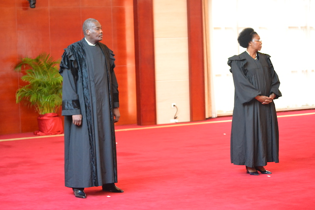 Moçambique   Com milhares de contratos ilegais Presidente Nyusi quer Vistos mais rápidos do Tribunal Administrativo