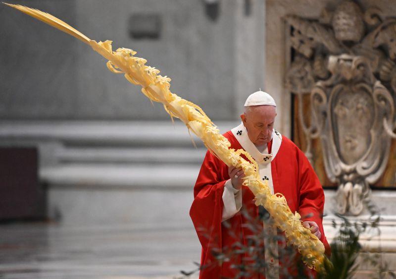 Papa inicia Semana Santa com celebração litúrgica sem presença de fiéis