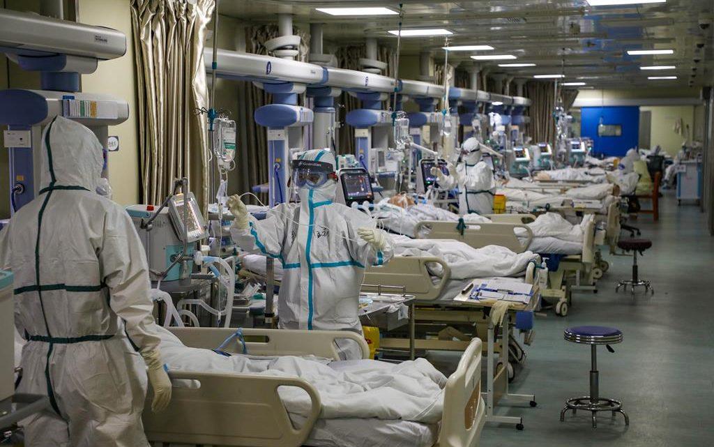 Há 2.131 profissionais de saúde infetados