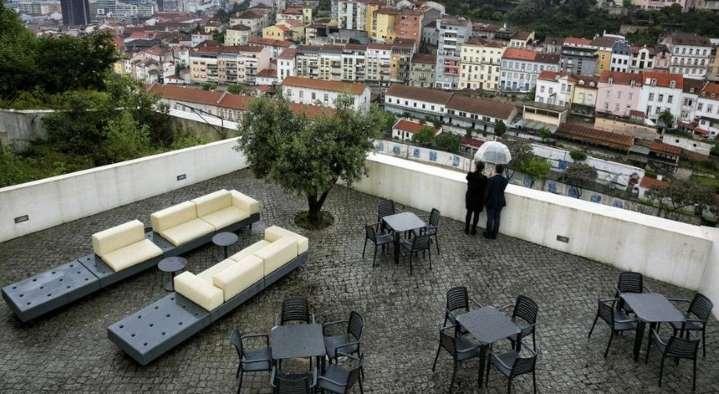 Coimbra admite ampliação de esplanadas e isenta taxas até final do ano