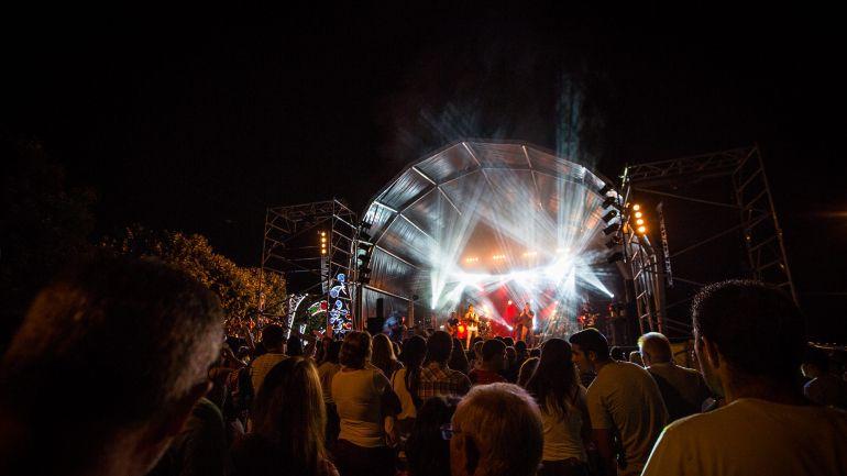 Covid-19: Músicos que animam bailes de verão já pensam em alternativas fora do setor
