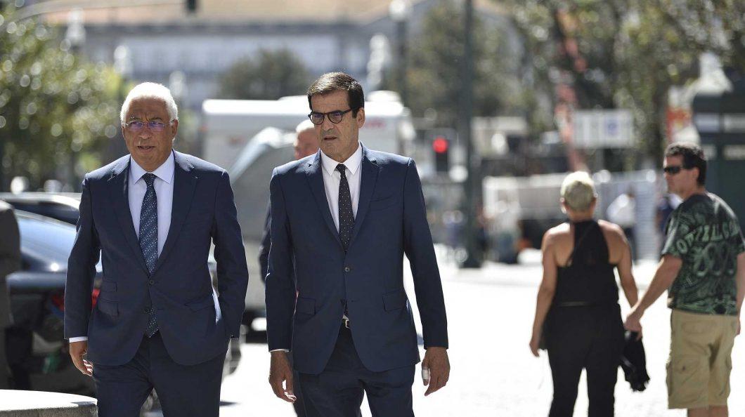 """Movimento de Rui Moreira considera redução de rotas da TAP """"insultuosa"""" para a região"""