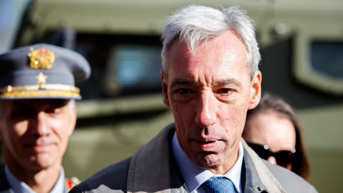 Ministro da Defesa garante que viagem do navio-escola Sagres continuará noutro momento