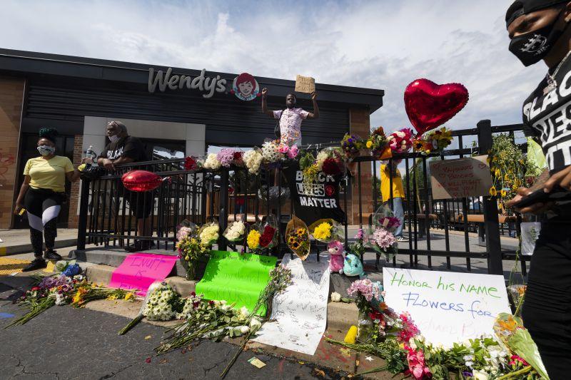 Autópsia confirma homicídio de jovem negro morto a tiro em Atlanta