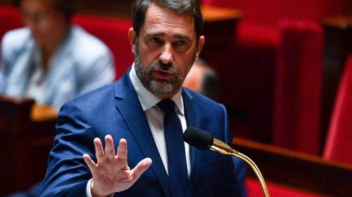 França vai abandonar técnica policial que asfixiou George Floyd