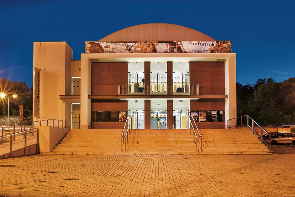 Cineteatro Anadia reabre ao público