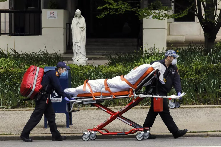 Reino Unido registou mais 202 mortes, mais 51 do que na véspera