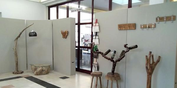 Biblioteca Municipal de Cantanhede mostra trabalhos artesanais em madeira