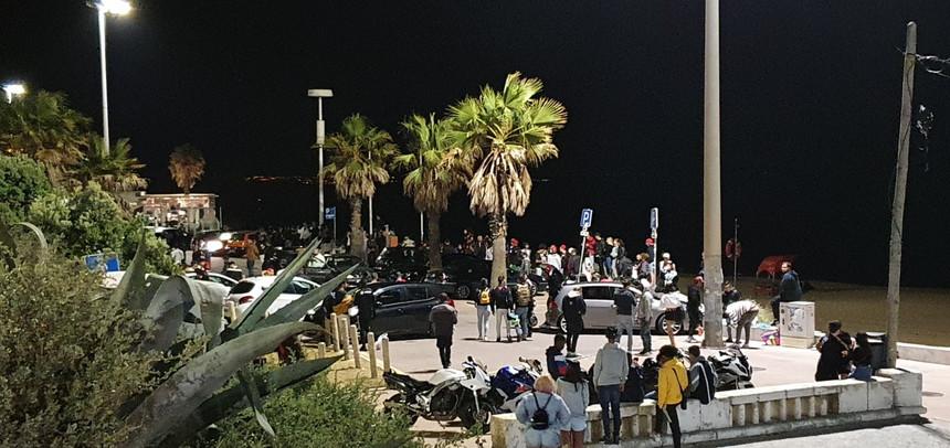 PSP põe fim a festa com mil pessoas junto à praia de Carcavelos