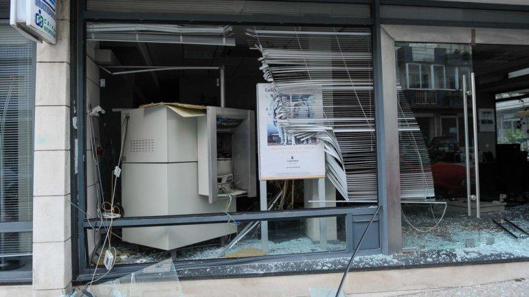 Suspeitos de assaltos a mais de 80 multibancos conhecem hoje sentença em Coimbra