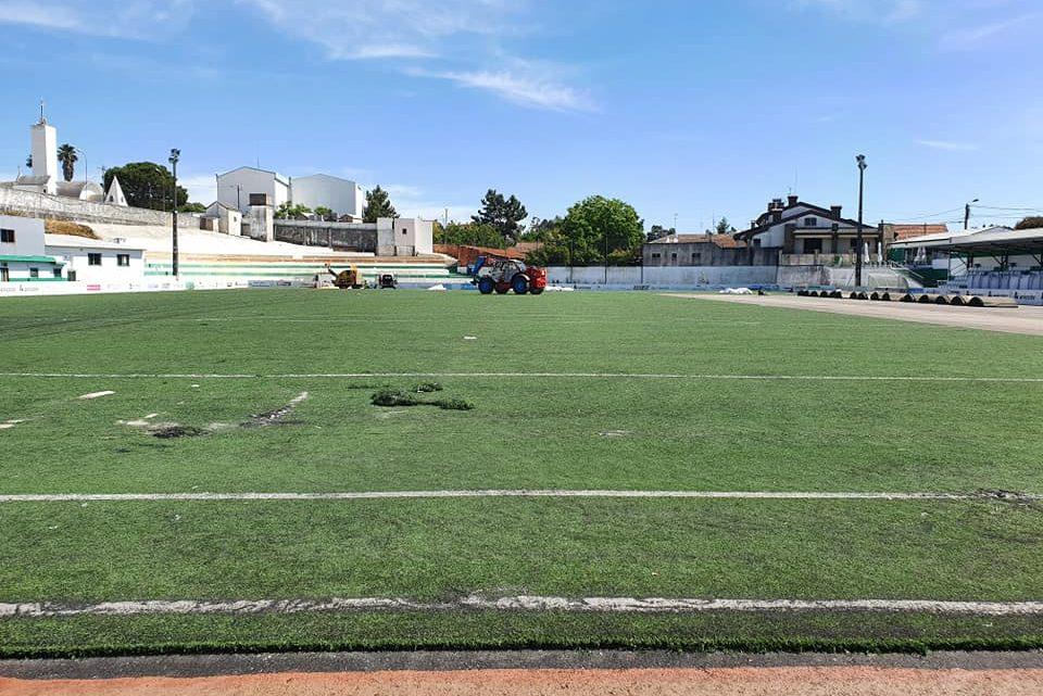 Câmara de Águeda investe mais de 815 mil euros na melhoria dos relvados dos clubes do concelho