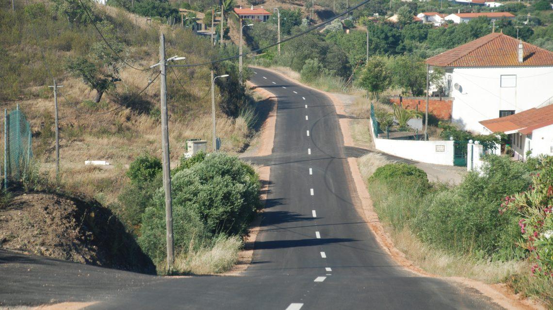 AUTARQUIA DE SILVES CONCLUI REPAVIMENTAÇÃO DA ESTRADA DA RIBEIRA DE ARADE, MATOSOS E ARRUAMENTOS NA ALDEIA DAS MANTEIGAS
