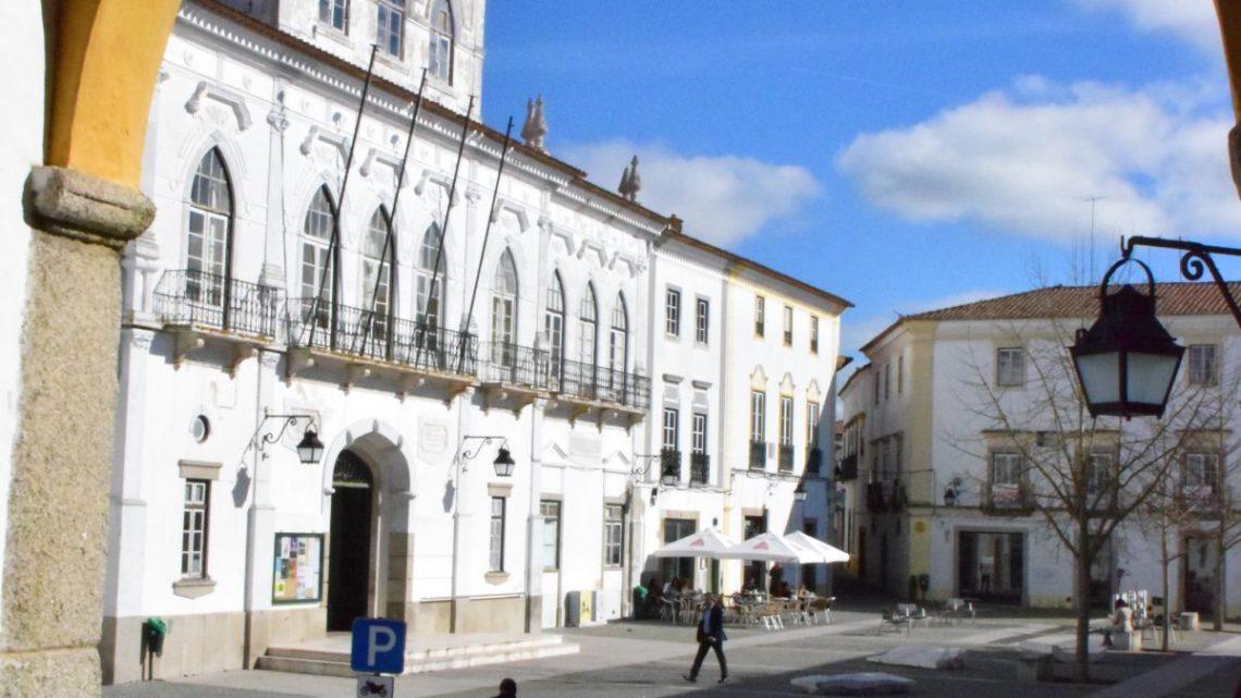 Em reunião pública de 9 de Setembro de 2020: Câmara de Évora impulsiona criação de nova escola de pilotos no Aeródromo Municipal
