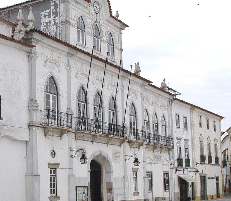 Na Reunião Pública de Câmara de 21/10/2020: Câmara Municipal de Évora aprova moções em defesa do serviço nacional de saúde e do direito à saúde das populações