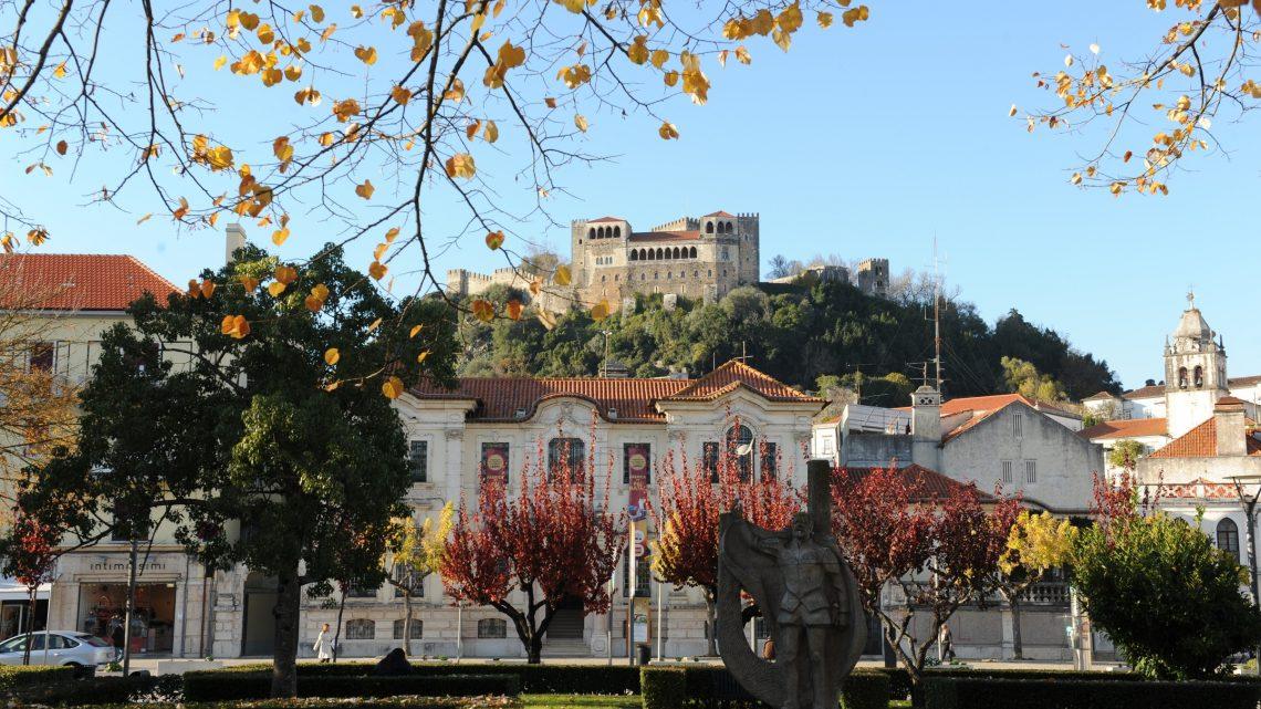 """XIII Encontro de Rede de Bibliotecas Escolares de Leiria terá como tema """"Bibliotecas – palavras, imagens & rock 'n' roll"""""""