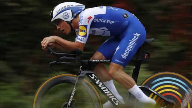 PM felicita João Almeida e Ruben Guerreiro em dia histórico para ciclismo português