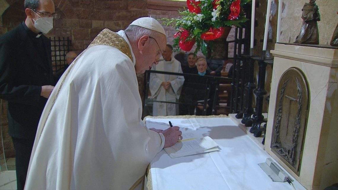 Papa Francisco apresenta nova encíclica dedicada à fraternidade e amizade social