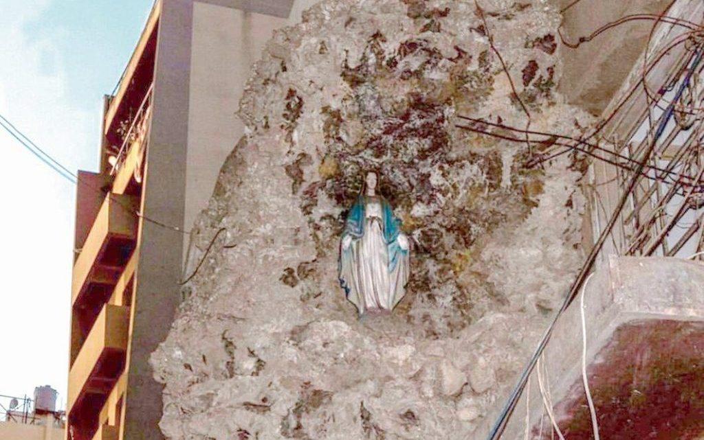 Em Beirute, imagens intactas de Nossa Senhora das Graças