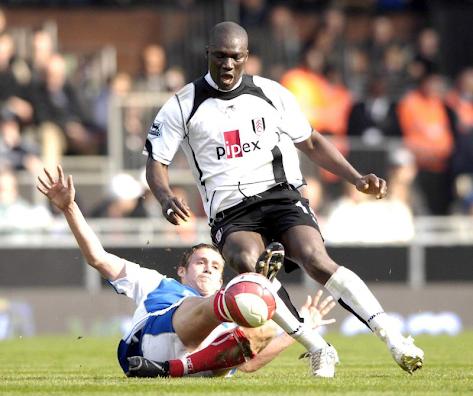 Morreu o ex-futebolista senegalês Papa Bouba Diop após doença prolongada