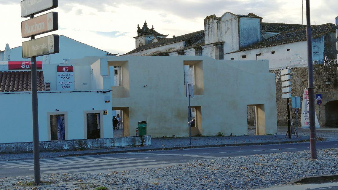 Évora | Autarquia conclui intervenção no troço da muralha junto à Porta da Lagoa