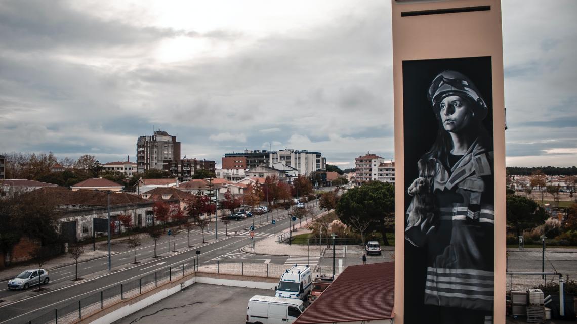 Marinha Grande | Festival Sopro homenageia bombeiros em arte urbana