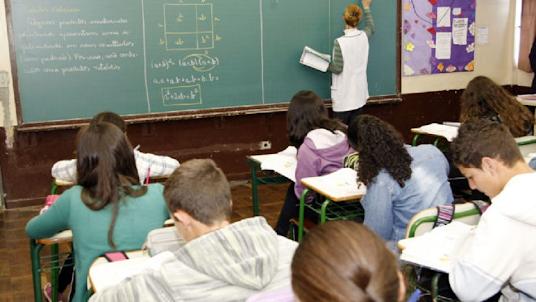 Alunos em Famalicão violam ordem de isolamento, escola faz participação à GNR